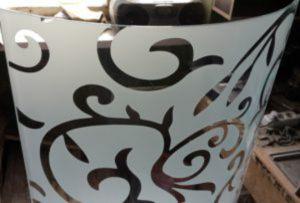 Стекло радиусное с пескоструйным рисунком для радиусных дверей Северодвинск